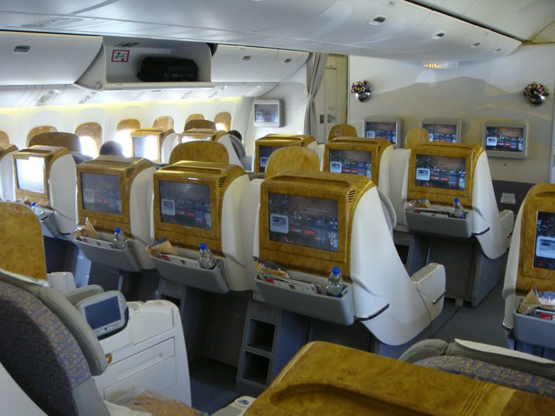 Emirates (EK / UAE) - Pagina 3 DSC00157