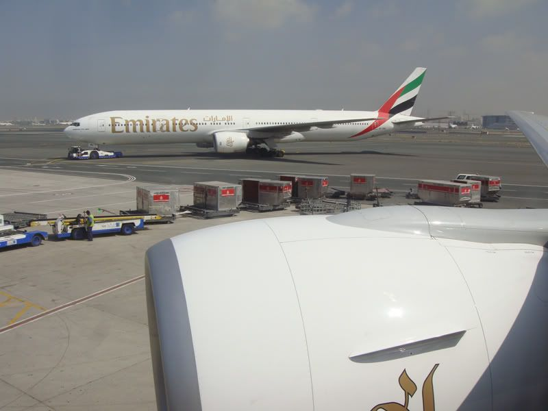 Emirates (EK / UAE) - Pagina 3 DSC00162