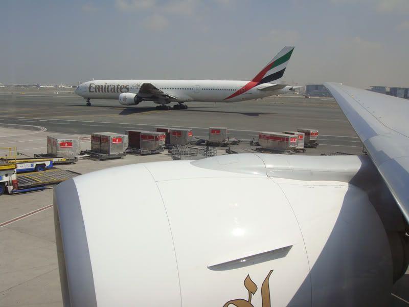 Emirates (EK / UAE) - Pagina 3 DSC00167