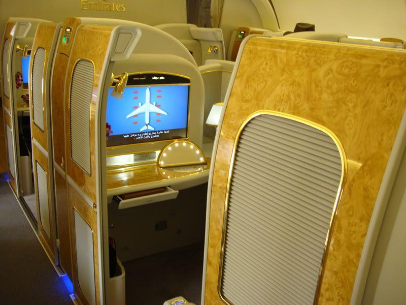 Emirates (EK / UAE) - Pagina 3 DSC00175