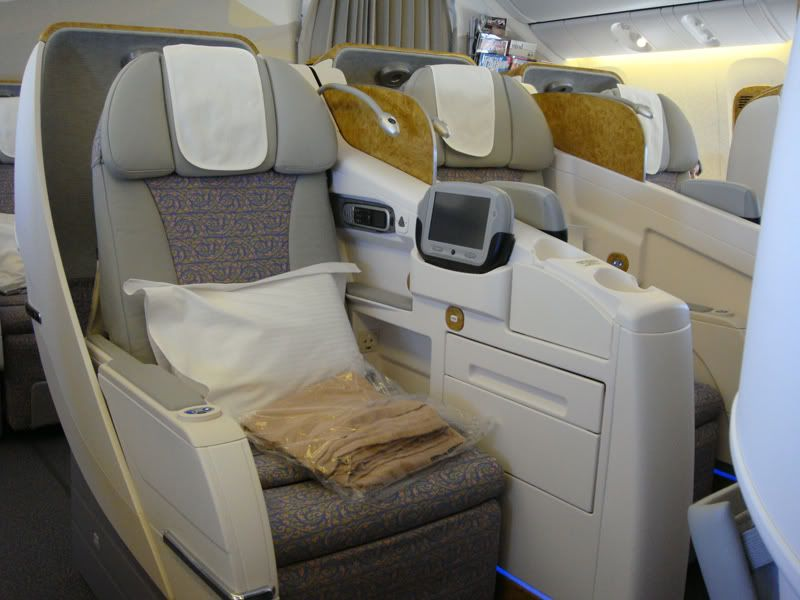 Emirates (EK / UAE) - Pagina 3 DSC00219