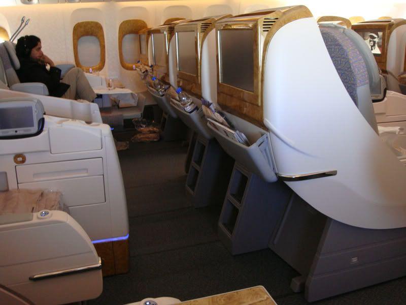 Emirates (EK / UAE) - Pagina 3 DSC00260