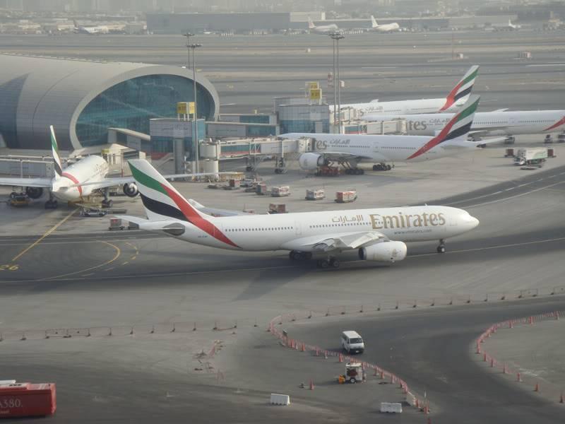 Emirates (EK / UAE) - Pagina 4 DSC03773