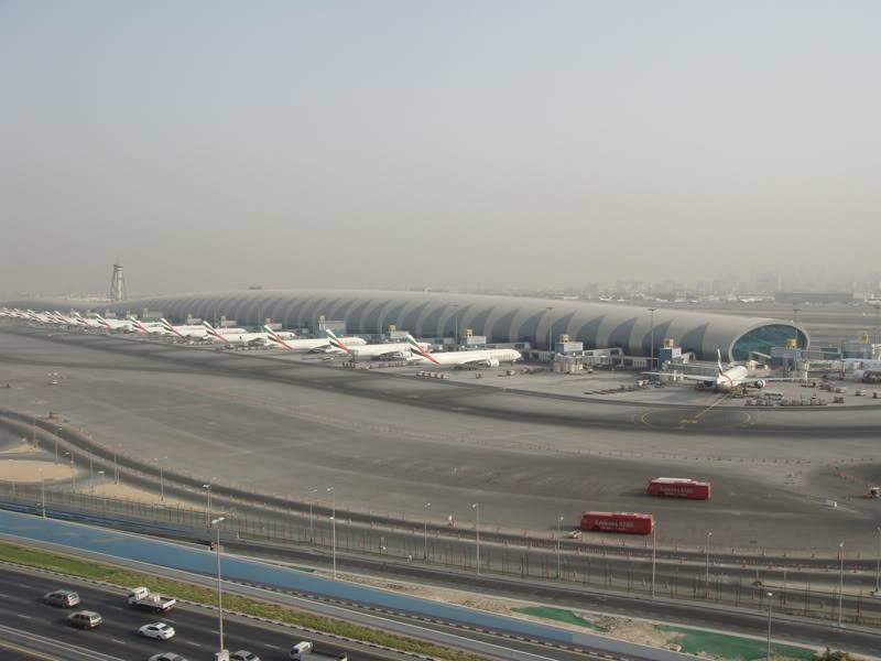 Emirates (EK / UAE) - Pagina 4 DSC03780