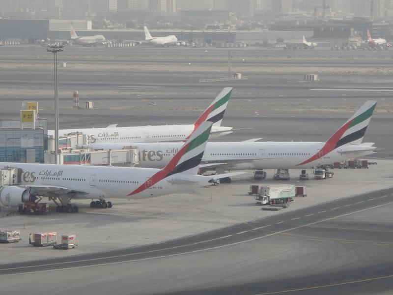 Emirates (EK / UAE) - Pagina 4 DSC03790