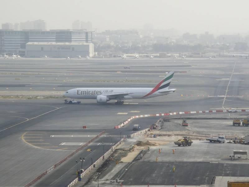 Emirates (EK / UAE) - Pagina 4 DSC03792