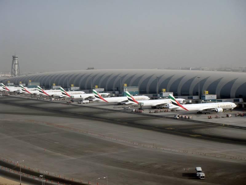 Emirates (EK / UAE) - Pagina 4 DSC03795