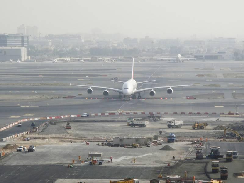 Emirates (EK / UAE) - Pagina 4 DSC03810