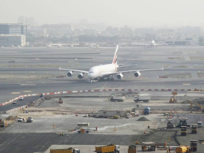 Emirates (EK / UAE) - Pagina 4 DSC03811