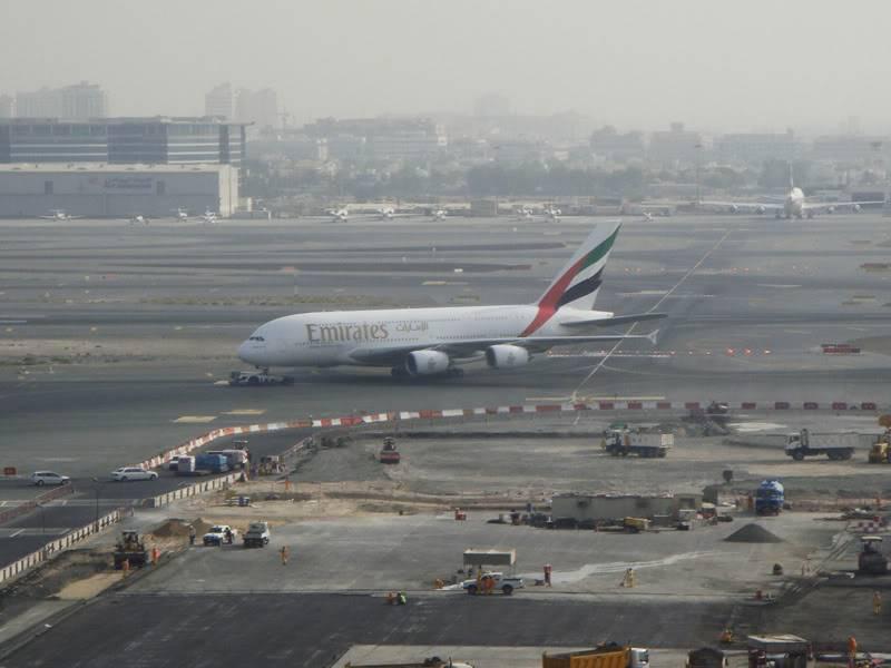 Emirates (EK / UAE) - Pagina 4 DSC03813