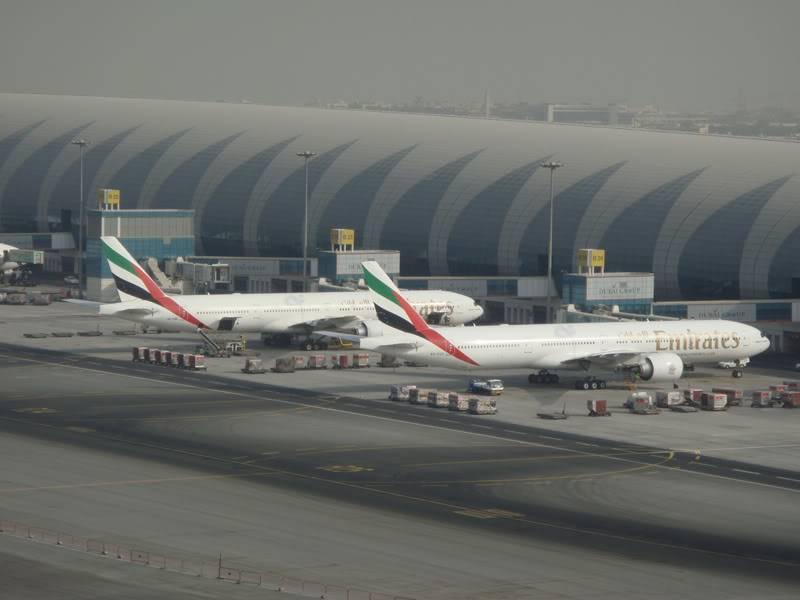 Emirates (EK / UAE) - Pagina 4 DSC03816