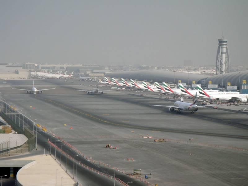 Emirates (EK / UAE) - Pagina 4 DSC03817