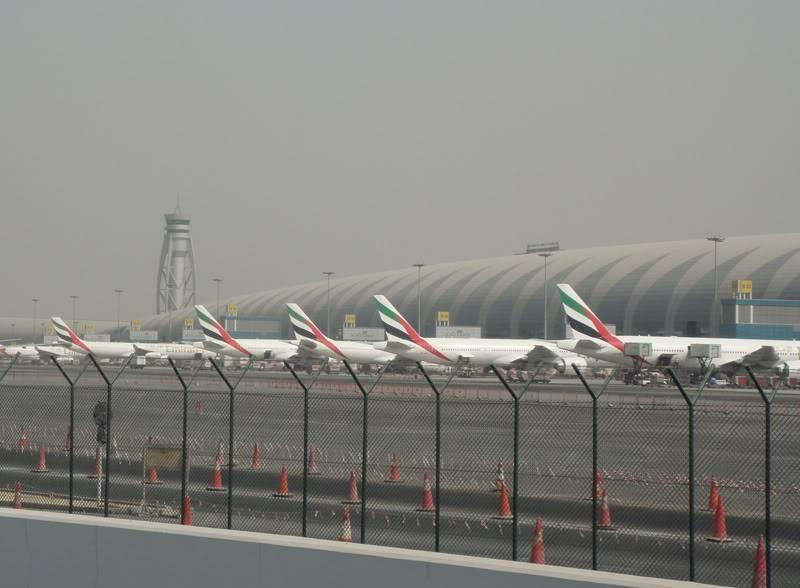 Emirates (EK / UAE) - Pagina 4 DSC03848