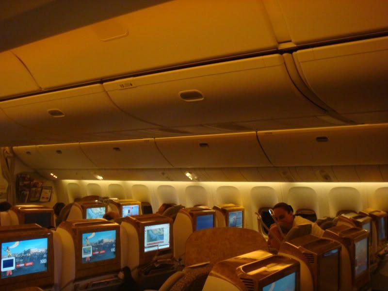 Emirates (EK / UAE) - Pagina 3 DSC07975