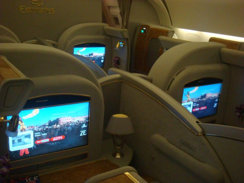 Emirates (EK / UAE) - Pagina 3 DSC08011