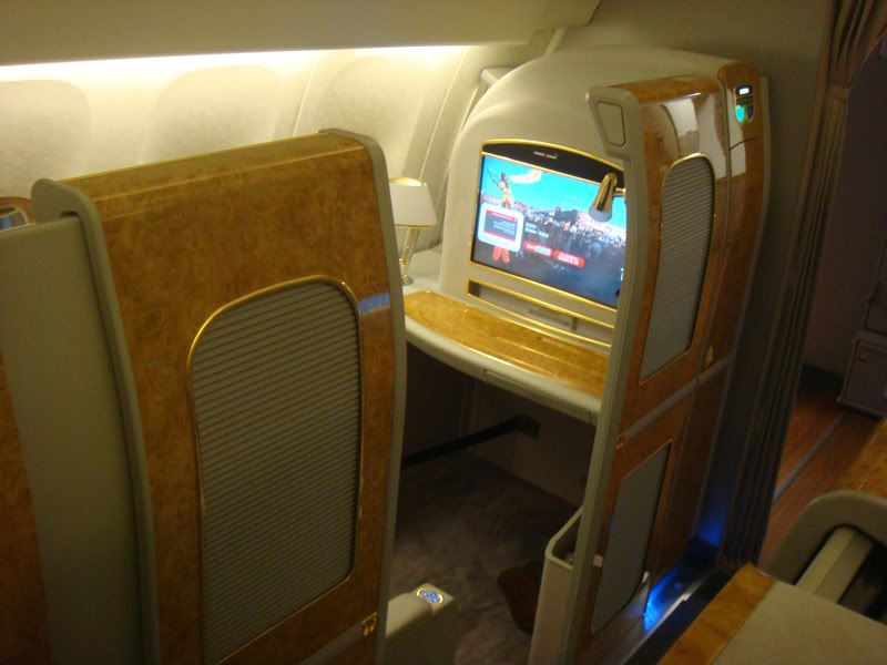 Emirates (EK / UAE) - Pagina 3 DSC08019