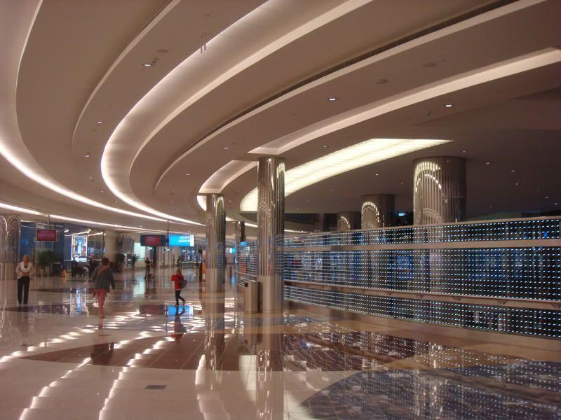 Emirates (EK / UAE) - Pagina 3 DSC08031