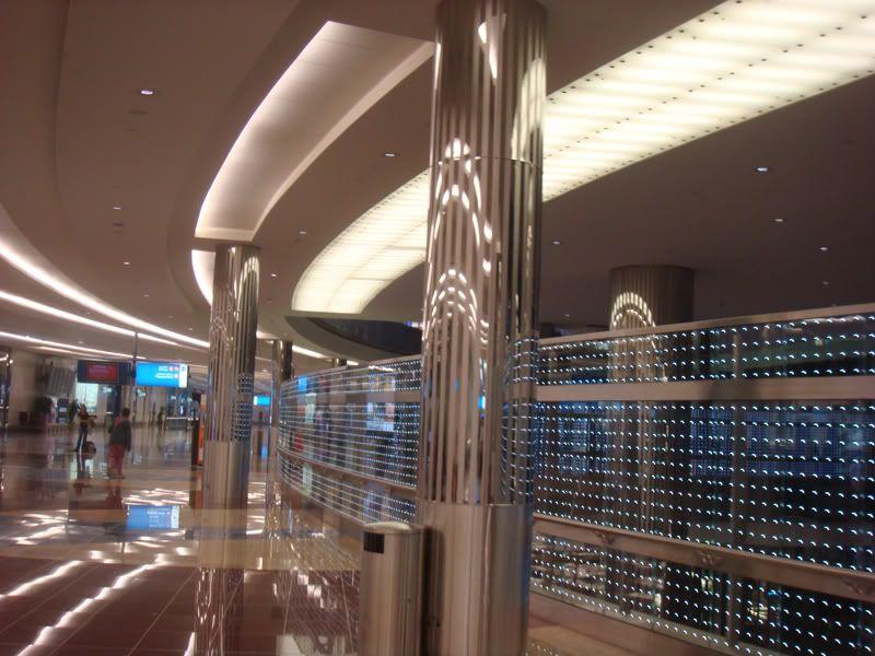 Emirates (EK / UAE) - Pagina 3 DSC08034