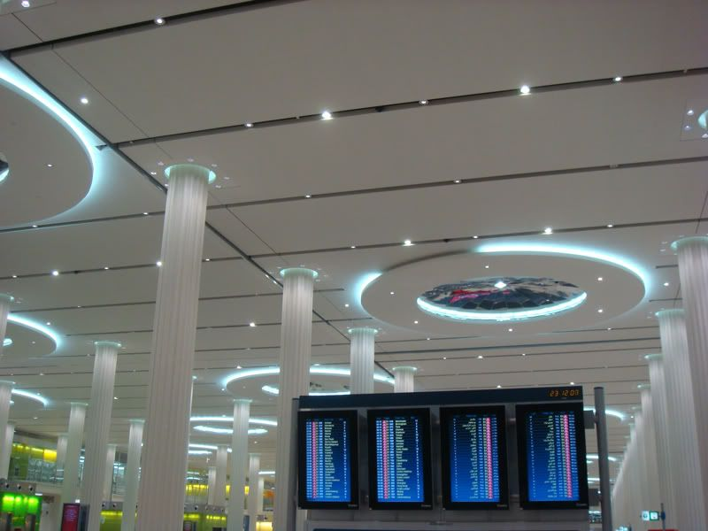 Emirates (EK / UAE) - Pagina 3 DSC08054