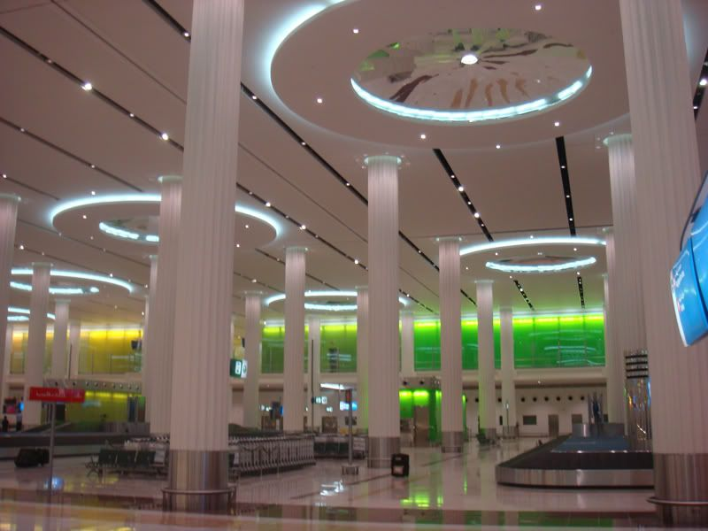 Emirates (EK / UAE) - Pagina 3 DSC08058