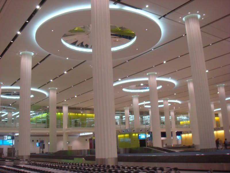 Emirates (EK / UAE) - Pagina 3 DSC08060