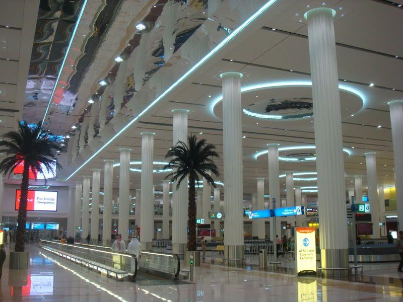 Emirates (EK / UAE) - Pagina 3 DSC08066