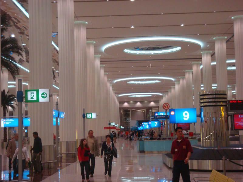Emirates (EK / UAE) - Pagina 3 DSC08072