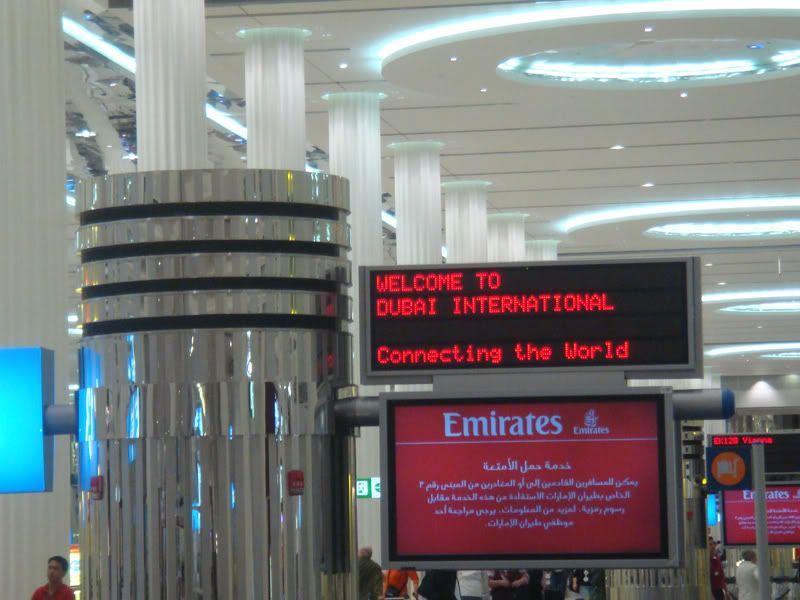 Emirates (EK / UAE) - Pagina 3 DSC08079