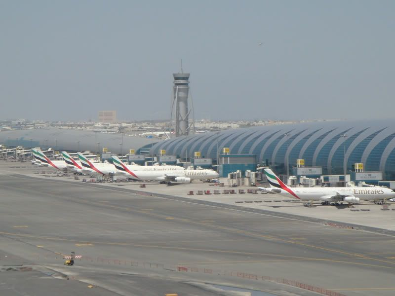 Emirates (EK / UAE) - Pagina 3 DSC09279