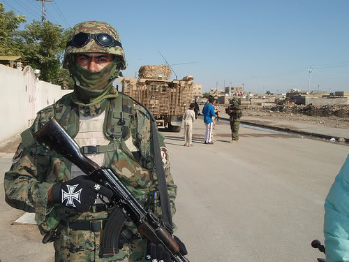 تجهيزات و ملابس الجندي العراقي 3266754939_1f81b62391