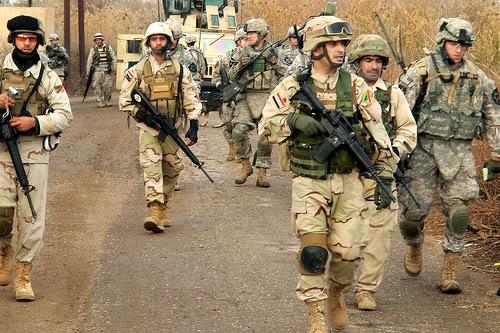 تجهيزات و ملابس الجندي العراقي 4327512083_28df2da526