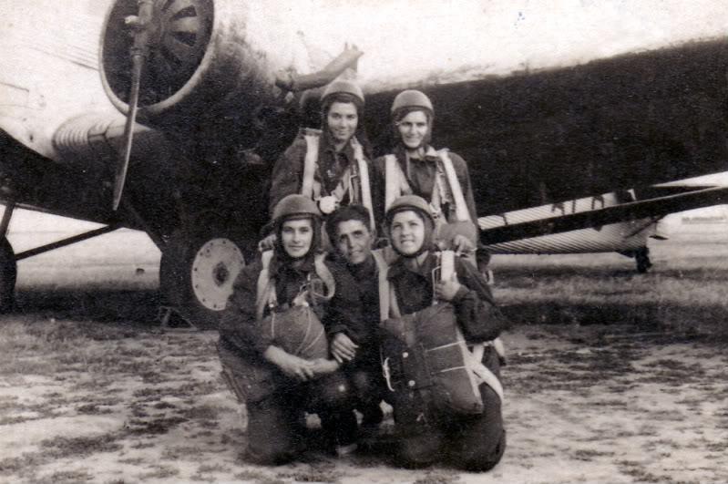 Aeronave si Aeroporturi in Romania - Din Trecut pana in Prezent - Pagina 2 Albumtata22
