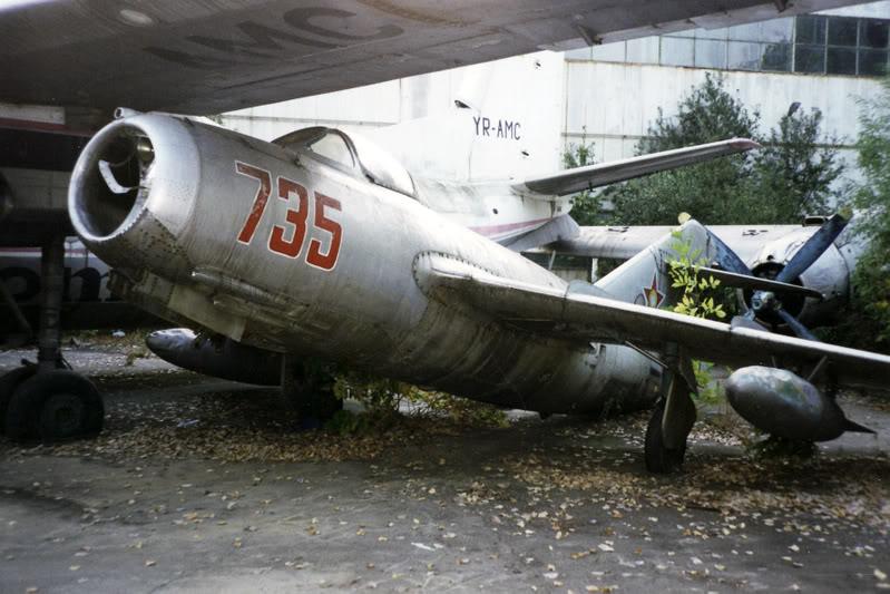 """Avioanele din Colegiul Tehnic de Aeronautica """"Henri Coanda"""" - Pagina 2 Liceuaviatie02"""