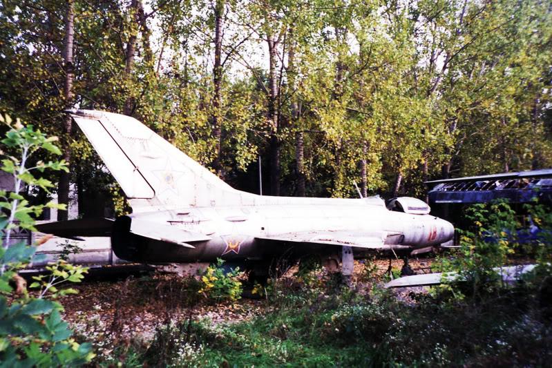 """Avioanele din Colegiul Tehnic de Aeronautica """"Henri Coanda"""" - Pagina 2 Liceuaviatie03"""