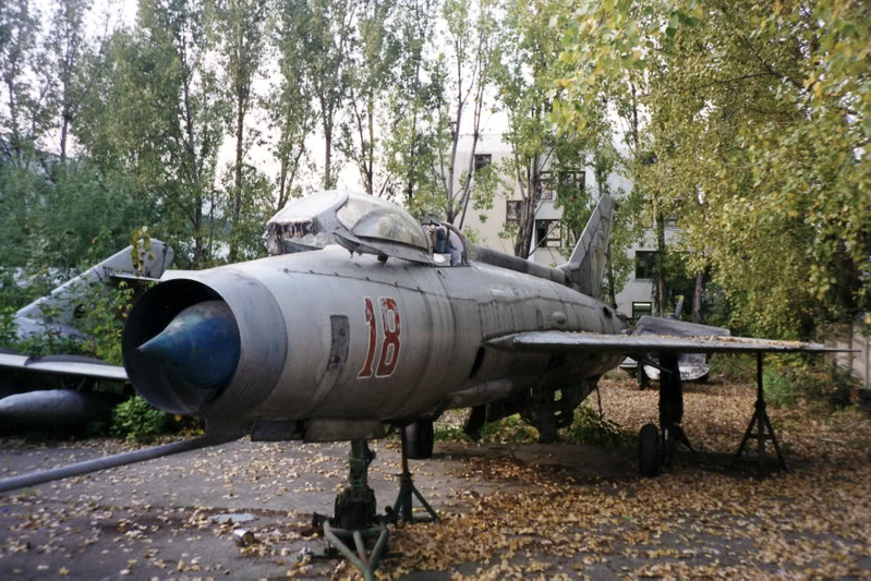 """Avioanele din Colegiul Tehnic de Aeronautica """"Henri Coanda"""" - Pagina 2 Liceuaviatie08"""