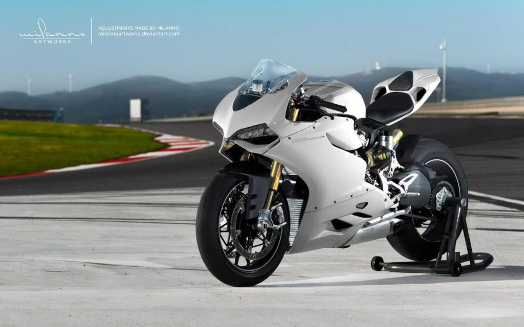 ducati 1199 Panigale ( Topic N°2 ) - Page 2 324902_131359313640315_124669327642647_149392_41268991_o