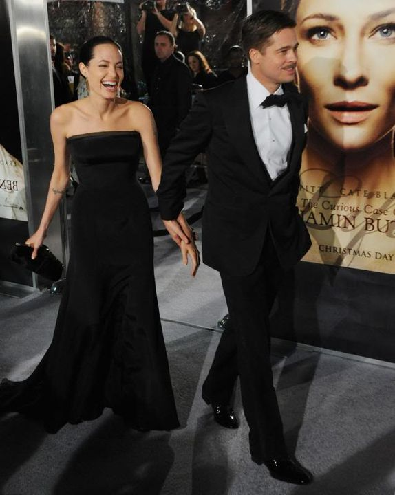 Brad and Angelina Movie Premieres  - Page 5 Curious-Case-of-Benjamin-Button--1