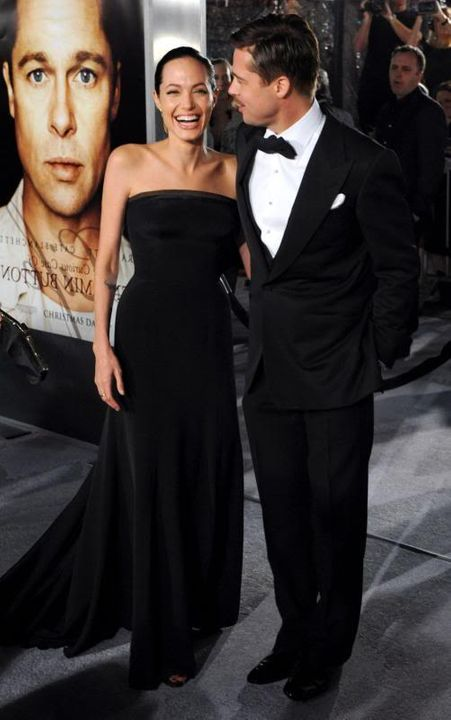 Brad and Angelina Movie Premieres  - Page 5 Curious-Case-of-Benjamin-Button--2