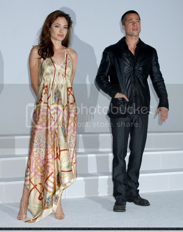 Brad and Angelina Movie Premieres  - Page 3 2005showestluncheon_1