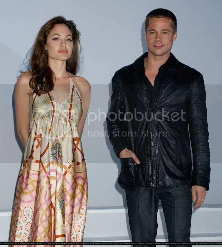 Brad and Angelina Movie Premieres  - Page 3 2005showestluncheon_2