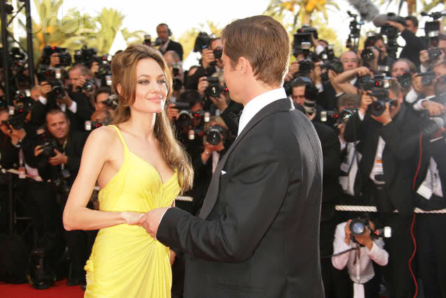Brad and Angelina Movie Premieres  - Page 3 42-18407721
