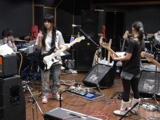 SCANDAL Instruments Thread Mami056879