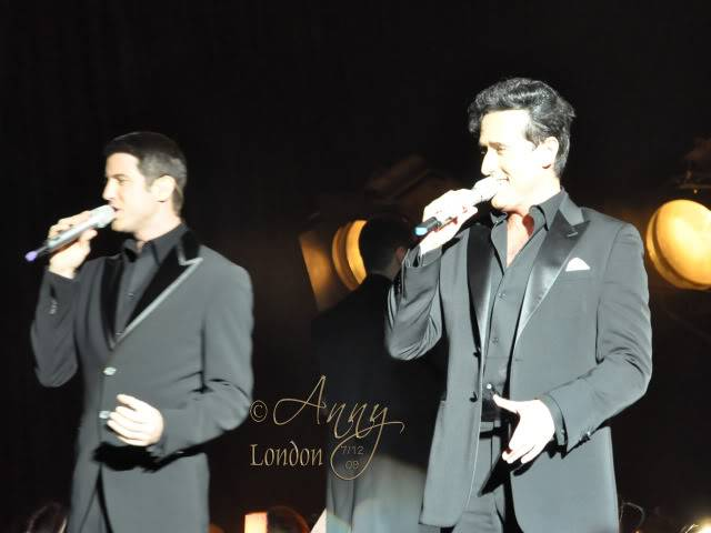Il Divo Christmas Shows December 2009 0540