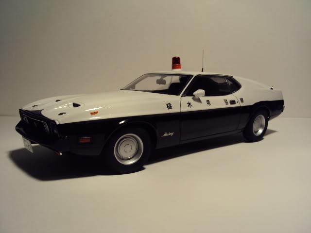 Autoart 1/18: Mustang Mach I Japanese Police car. DSC05495