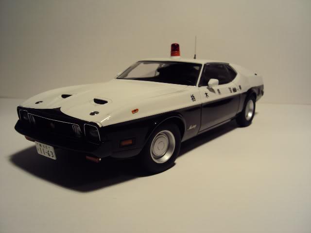 Autoart 1/18: Mustang Mach I Japanese Police car. DSC05497