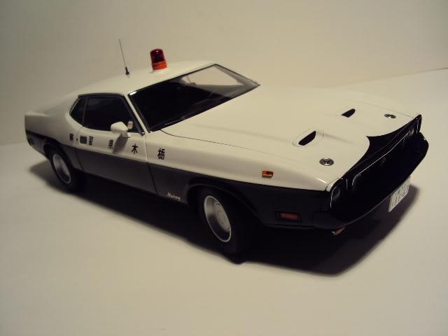 Autoart 1/18: Mustang Mach I Japanese Police car. DSC05498