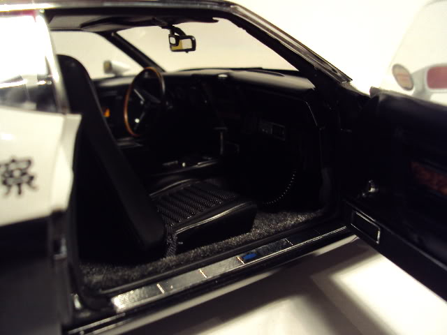 Autoart 1/18: Mustang Mach I Japanese Police car. DSC05500
