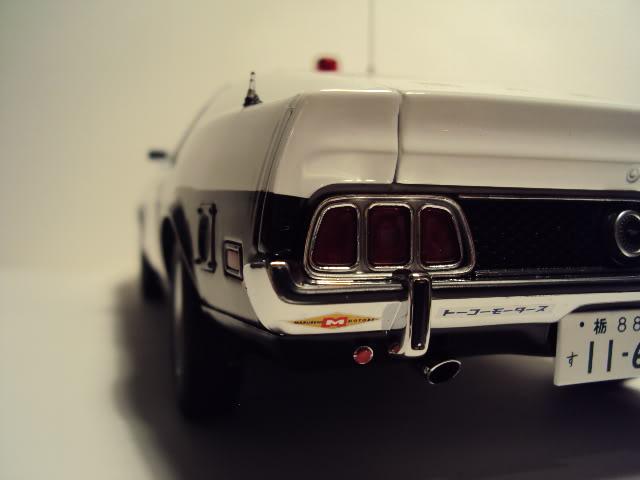 Autoart 1/18: Mustang Mach I Japanese Police car. DSC05506