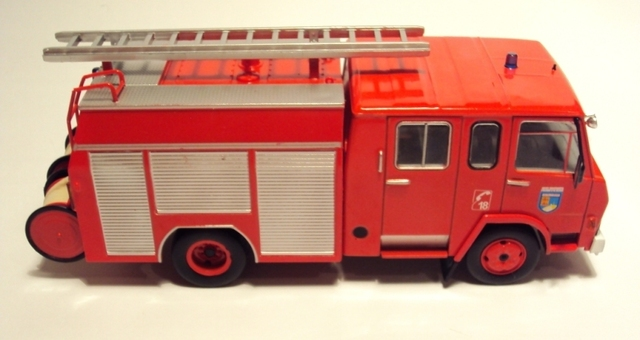Camiva Berliet 770KB 6 IXO 1/43 DSC07110_zpsnamfwq7c