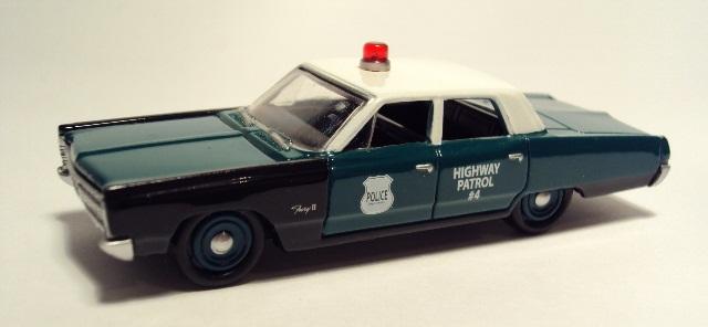 Johnny Lightning: 1967 Plymouth Fury II DSC04320_zps943019a2